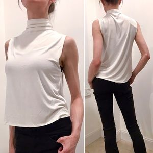NWT Aritzia Sleeveless White Hi Lo Tshirt Top S/XS